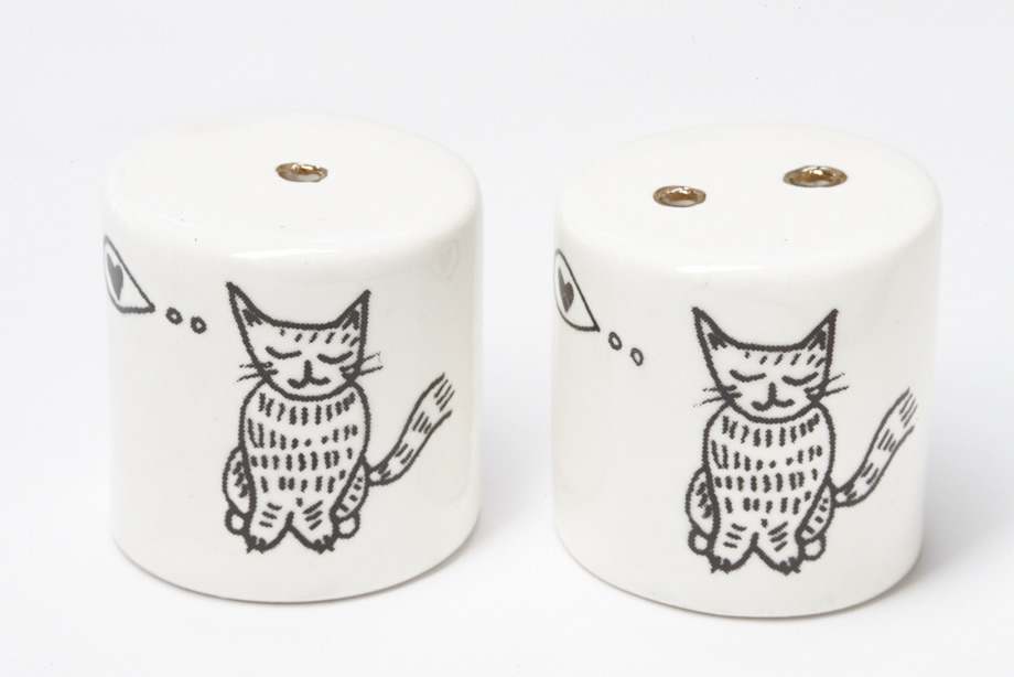 salt and pepper shakers cats